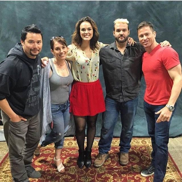 Amy Jo Johnson, em uma rara reunião com atores de Power Rangers. Na, tirada em Abril de 2016, ela está ao lado de Johnny Yong Bosh, Erin Cahill, Austin St. John e Jason Faunt, na Pensacon